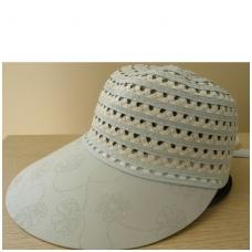 Moteriška vasarinė kepurė