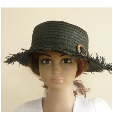Moteriška vasarinė skrybėlė