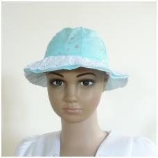 Vaikiška vasarinė kepurė su nėriniais